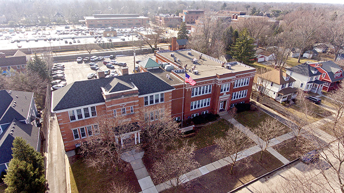 Offer on 389 St. Clair awaits board approval - Grosse Pointe News (subscription)